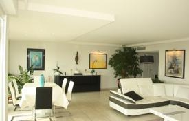 Coastal residential for sale in Antibes. Apartment – Antibes, Côte d'Azur (French Riviera), France