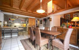 Residential for sale in Auvergne-Rhône-Alpes. A spacious top floor duplex apartment in the heart of Morzine, France