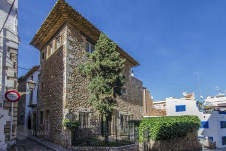 Luxury houses for sale in Sitges. Villa in Sitges, Spain. Historical center, 50 meters from the beach