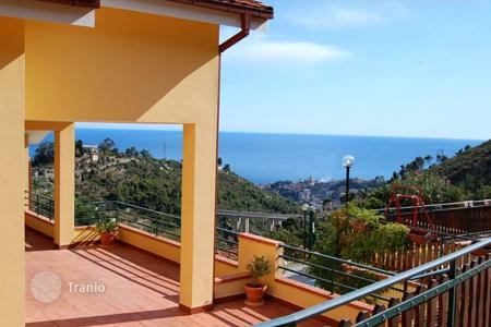 4 bedroom houses for sale in Sanremo. Villa – Sanremo, Liguria, Italy