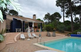 3 bedroom villas and houses to rent in Aquitaine-Limousin-Poitou-Charentes. Villa – Gironde, France
