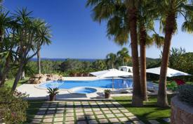 Villas and houses for rent with swimming pools in Es Cubells. Villa with terrace, pool and spectacular views of the sea surrounded by a garden, on a hill, between Porroig and Es Cubells, Ibiza