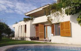 Houses for sale in Altea. Villa of 6 bedrooms with private pool and sea views in Altea
