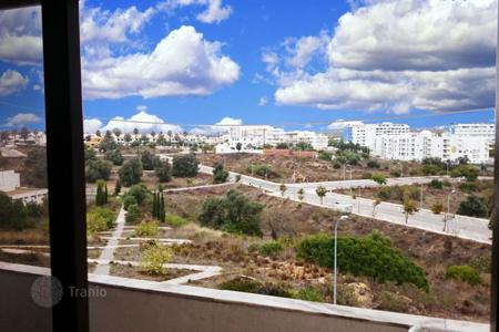 Cheap apartments with pools for sale in Algarve. Apartment – Albufeira, Faro, Portugal