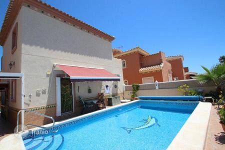 2 bedroom houses for sale in Valencia. Cosy house in popular area of Playa Flamenca, Orihuela, Spain