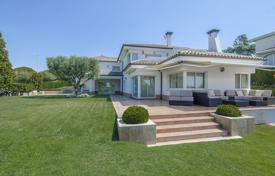 Spacious villa with a pool, a veranda and a garden, in an elite residential complex, Calella, Spain for 2,600,000 €