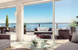 Apartments with pools for sale in France. New residence with pool in Nice