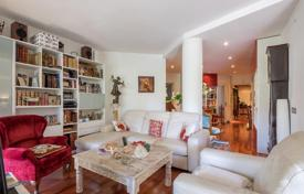 Apartments for sale in L'Eixample. Renovated apartment with terrace, in Eixample district, Barcelona, Spain