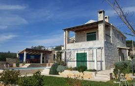 Property for sale in Sibenik-Knin. Beautiful stone Villa in Primošten