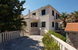 Coastal houses for sale in Split-Dalmatia County. Family villa with a guest houses, a private garden, a parking and sea views, Brac, Croatia