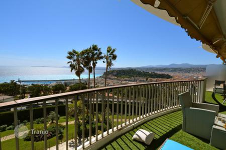 2 bedroom apartments for sale in Nice. 4-room flat with panoramic sea view in residence with pools, spa and fitness-club, Nice, Freznce