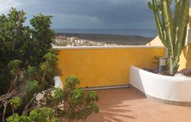 Apartments with pools for sale in Tenerife. Apartment – Palm-Mar, Canary Islands, Spain
