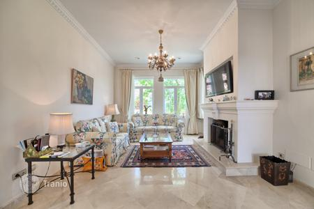 Luxury 5 bedroom houses for sale in Marbella. Beautiful Classic Style Villa — Marbella Club Golf Resort