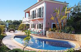 Houses for sale in Faro. Attractive 3 Bedroom Villa with Great Views near Beach and Golf, Vale Formoso