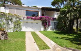 4 bedroom houses by the sea for sale in Spain. Villa – Sant Pol de Mar, Catalonia, Spain