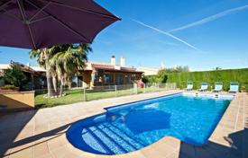3 bedroom villas and houses to rent in Tarragona. Villa – Tarragona, Catalonia, Spain