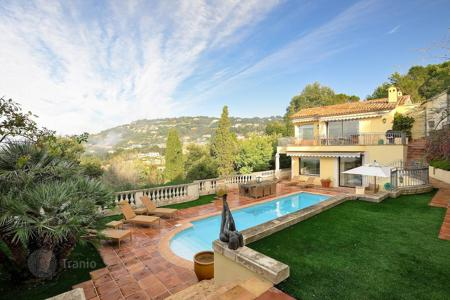 Luxury houses for sale in Cannes. Cannes — Basse Californie — Close to the town center
