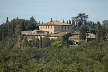 Land for sale in Tuscany. Vineyard - Siena, Tuscany, Italy