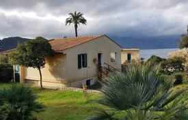 2 bedroom houses for sale in Tuscany. Two-storey villa overlooking the sea in Portoferraio, Tuscany, Italy