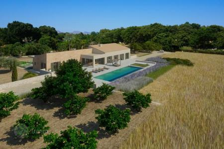 Luxury residential for sale in Majorca (Mallorca). Modern luxury house in best location in Pollensa, Mallorca, Spain