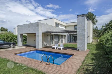 Coastal houses for sale in Sant Cugat del Vallès. Villa – Sant Cugat del Vallès, Catalonia, Spain