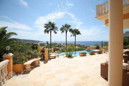 Luxury 4 bedroom houses for sale in Calvia. Villa - Calvia, Balearic Islands, Spain