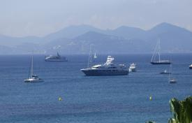 1 bedroom apartments for sale in Cannes. Cnnes — Croisette — Apartment With Terrace — Panoramic Sea View