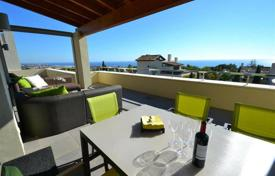 Luxury apartments with pools for sale in Spain. Penthouse for sale in Imara, Marbella Golden Mile
