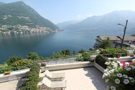 Townhouses for sale in Italian Lakes. Townhouse with spectacular views of Lake Como