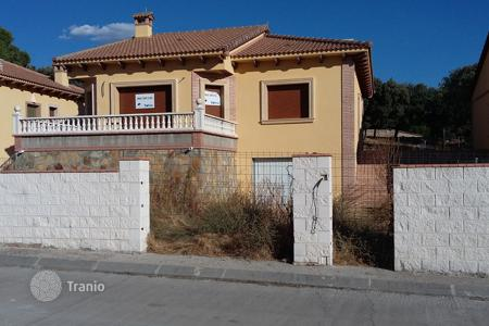 Cheap houses for sale in Castille and Leon. Villa – Ávila‎, Castille and Leon, Spain
