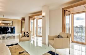 Luxury penthouses for sale in Berlin. Duplex penthouse apartment in an elite house made be legendary architect Frank Gehry, center of Mitte, near the Brandenburg Gate, Berlin
