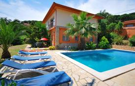 Houses with pools for sale in Costa Brava. Furnished villa with swimming pool and sauna in Serra Brava near Lloret de Mar on the Costa Brava