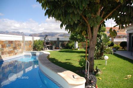 3 bedroom houses for sale in Canary Islands. Luxury villa in the exclusive area of Sonneland