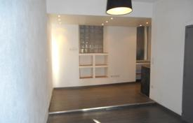 Cheap residential for sale in Bouches-du-Rhône. Nice apartment in the center of Marseille near the seaside