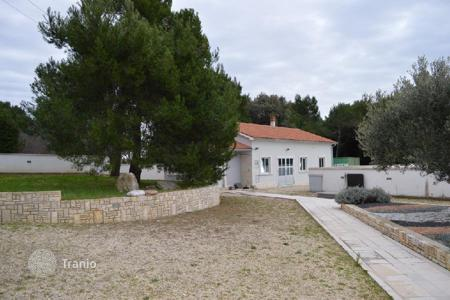 Offices for sale in Istria County. Business premise STORAGE BUSINESS PREMISES