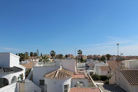 Cheap houses with pools for sale in Costa Blanca. Orihuela Costa, La Florida. Townhouse of 65 m² built with plot of 100 m²