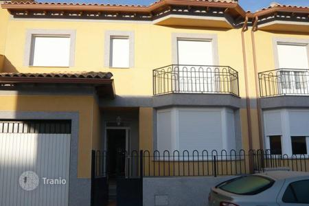 4 bedroom houses for sale in Toledo. Villa – Toledo, Castille La Mancha, Spain