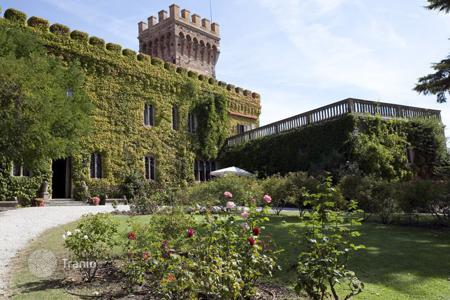 Chateaux to rent in Tuscany. Castle - Campiglia Marittima, Tuscany, Italy