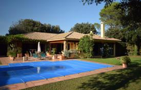 Comfortable villa with a covered porch, a garden and a garage in one of the best areas of Navata, Spain for 595,000 €