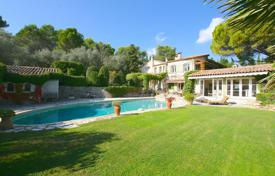Luxury 5 bedroom houses for sale in France. Distinguished villa of the 18th century in the territory of a landscaped garden with two pools, a sauna, a spa and a gym, Mougins, France