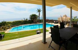 6 bedroom villas and houses to rent in Costa Blanca. Villa – El Campello, Valencia, Spain