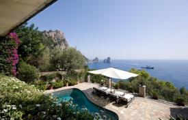Villas and houses for rent with swimming pools in Capri. Villa – Capri, Campania, Italy