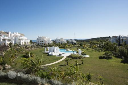 Cheap apartments with pools for sale in Estepona. Apartment - Estepona, Andalusia, Spain