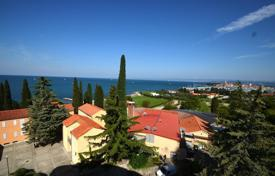 Apartment with spacious and light rooms, Izola, Slovenia for 306,000 €