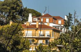 Apartments with pools by the sea for sale in Portugal. Four-fully furnished apartments with views of the ocean and mountains in Cascais
