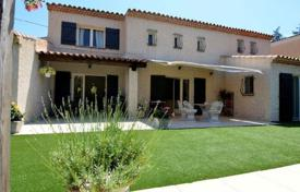 3 bedroom houses for sale overseas. Villa – Juan-les-Pins, Antibes, Côte d'Azur (French Riviera), France