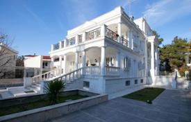 6 bedroom houses for sale in Chalkidiki (Halkidiki). Villa – Thessaloniki, Administration of Macedonia and Thrace, Greece