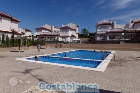 Cheap chalets for sale in Spain. Chalet – Guardamar del Segura, Valencia, Spain
