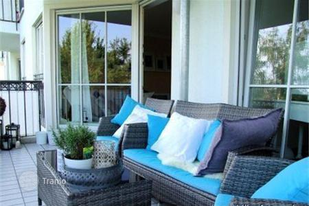 2 bedroom apartments for sale in Bavaria. Sunny apartment in the district Solln in Munich