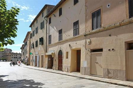 Retail property for sale in Italy. Сommercial property of 66 m² perfectly restored, with a grotto of 50 sqm, located at the entrance to the main square of Cetona